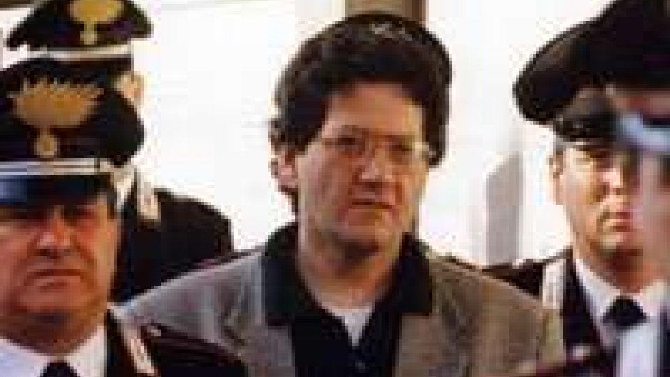 Uno bianca: lo Stato vuole 8 milioni da Fabio SaviUno bianca: lo Stato vuole 8 milioni da Fabio Savi