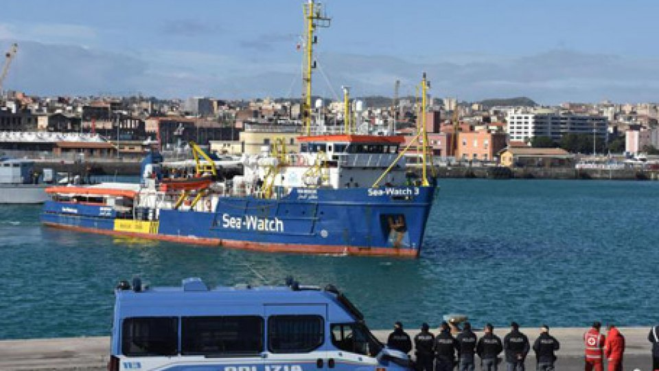 L'arrivo della Sea Watch. Foto ansa