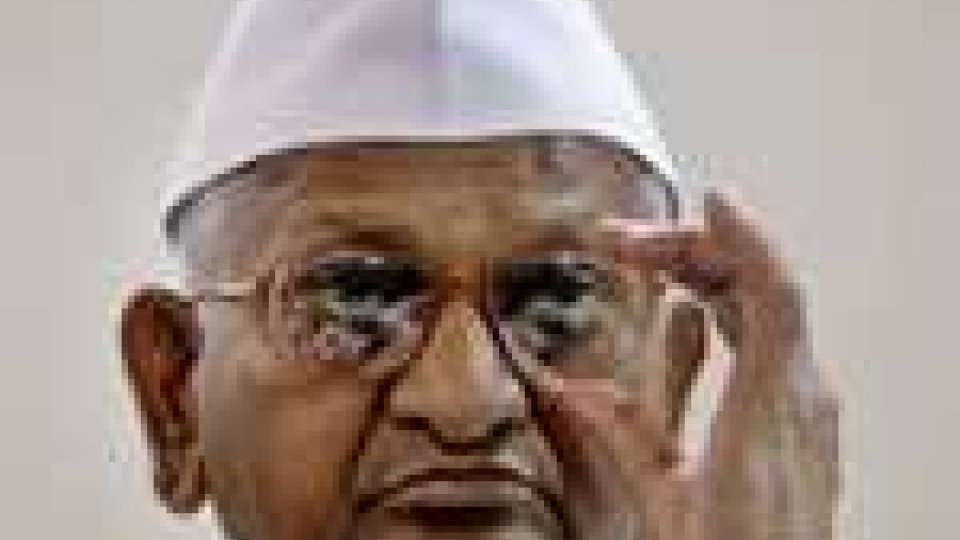 Anna Hazare è stato liberato