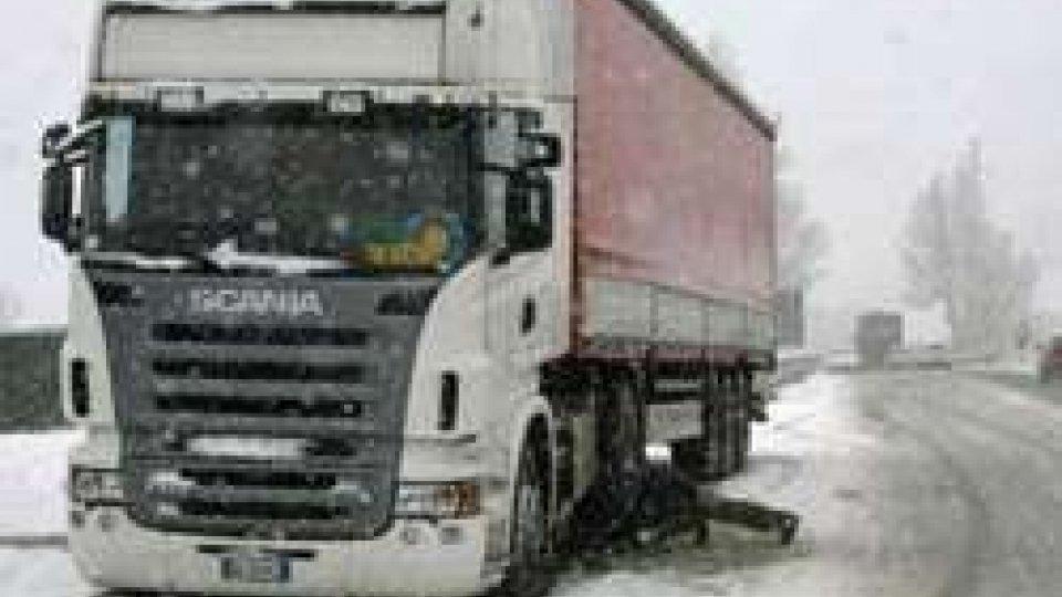 Meteo: neve anche a Rimini, situazione più difficile in A14 tra Bologna e Faenza