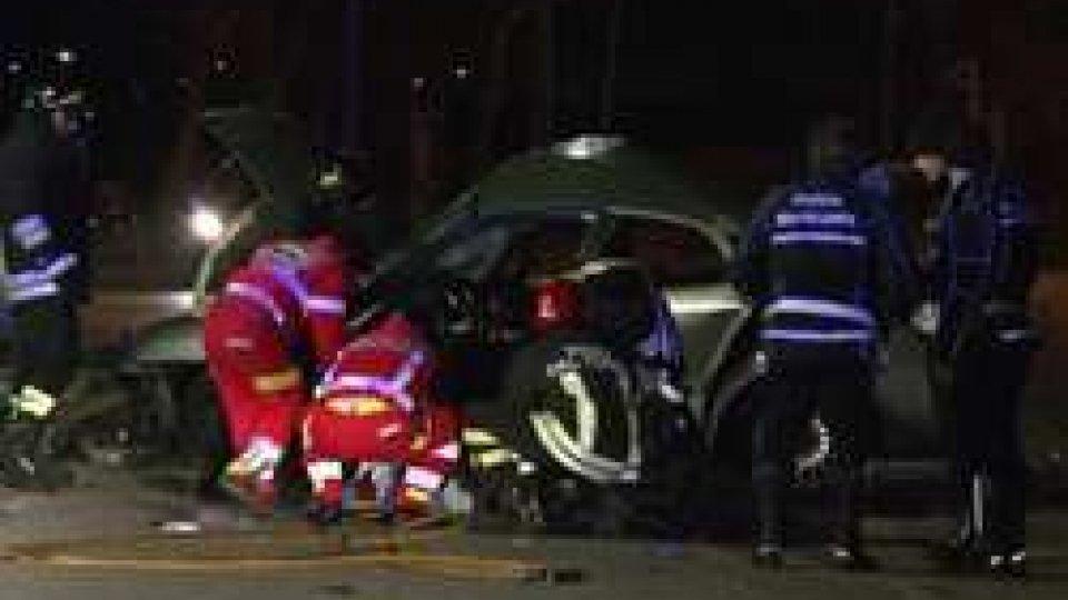 Incidente in via Cavalieri di Vittorio VenetoRimini: incidente mortale a Miramare