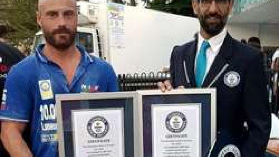 """""""10.00 volte pizza: 7° e 8° Guinness World Record di NIPfood. A rappresentare San Marino Marco Casali"""""""