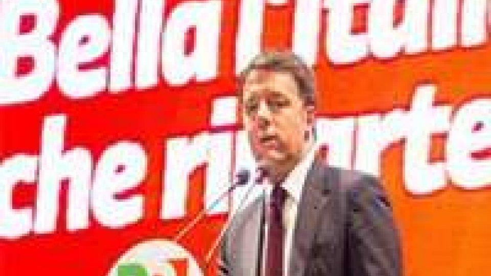 """Da Genova il premier bacchetta la minoranza dem. """"C'è una sinistra che prova a cambiare e una a cui piace perdere""""."""