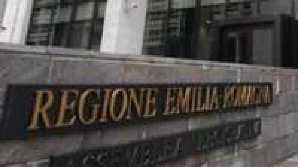 Sisma Emilia: l'imprenditore Grulli incatenato al Palazzo della Regione