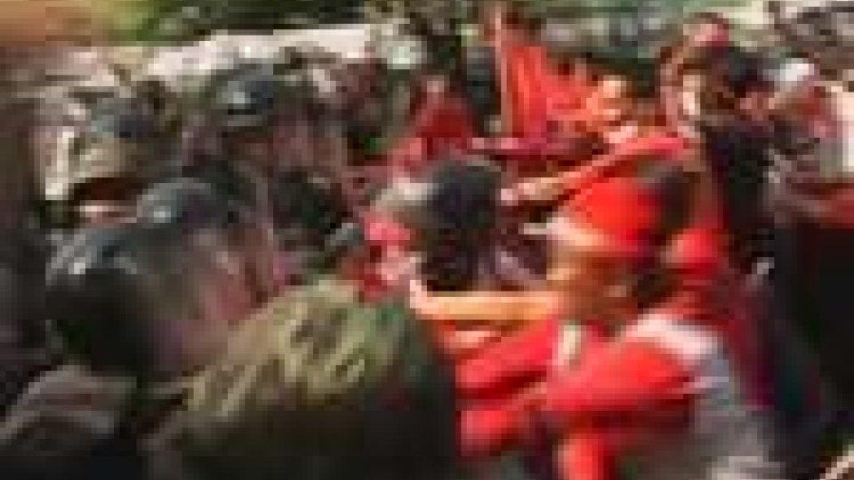 Thailandia sull'orlo della guerra civile