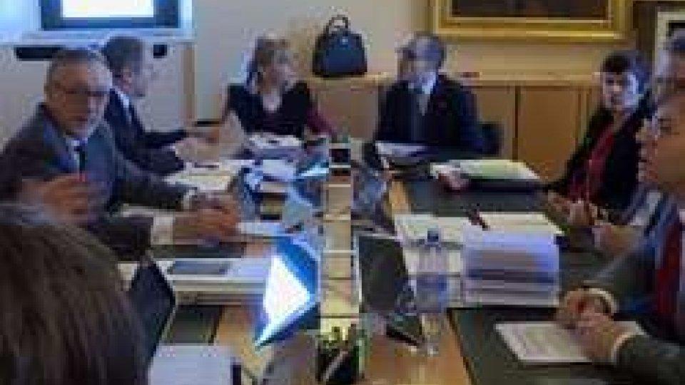 Banca Centrale sul tavolo del CongressoBanca Centrale e Cassa di risparmio sul tavolo del Congresso
