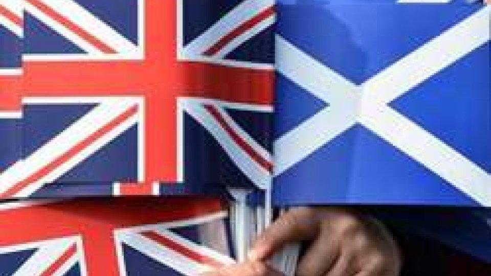 Brexit: petizione per nuovo referendum supera 3 milioni di firme