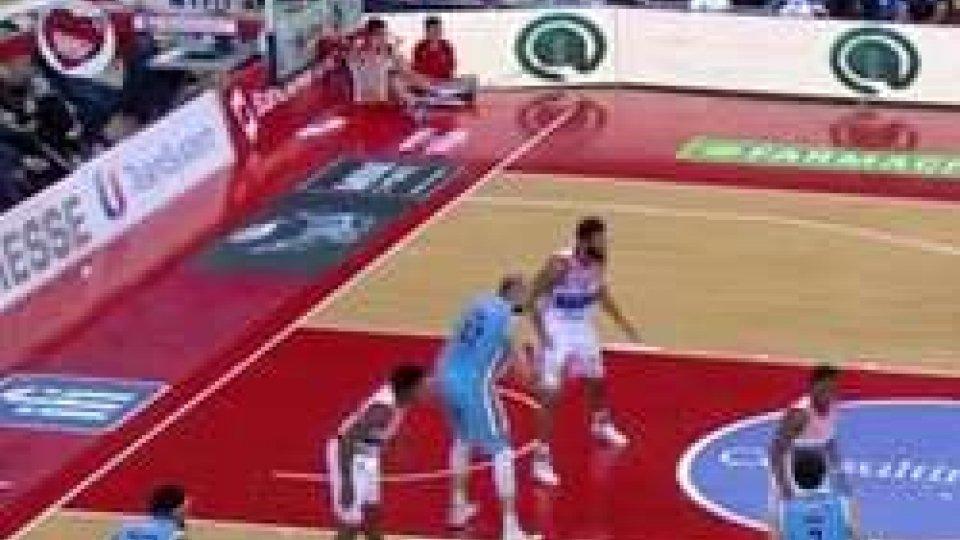 Basket, Cremona passa a Pesaro: McKissic lasciaBasket, Cremona passa a Pesaro: McKissic lascia