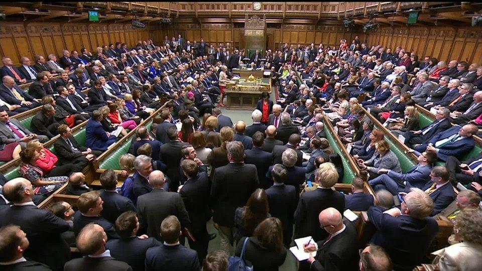 """Brexit: dopo l'ennesima sconfitta Theresa May punta ora ad un """"quarto voto"""""""