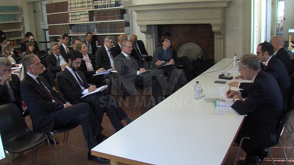 """Renzi incontra i diplomatici Ue in vista della """"parafatura""""Renzi incontra i diplomatici Ue in vista della """"parafatura"""""""