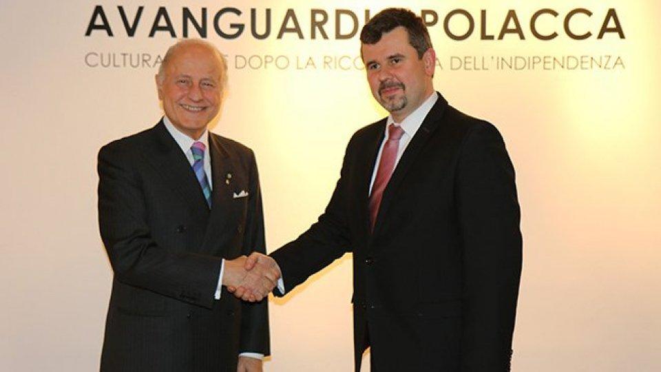 L'ambasciatore Giorgio Girelli e il direttore dell'Istituto polacco  Łukasz Paprotny.