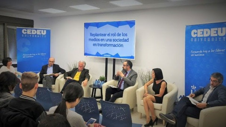 Baha'i: uno sguardo schietto alle notizie e al loro impatto sociale