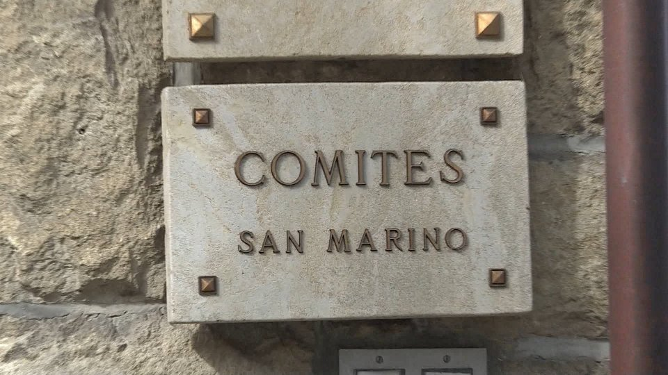Caos targhe: Comites incontra Forza Italia