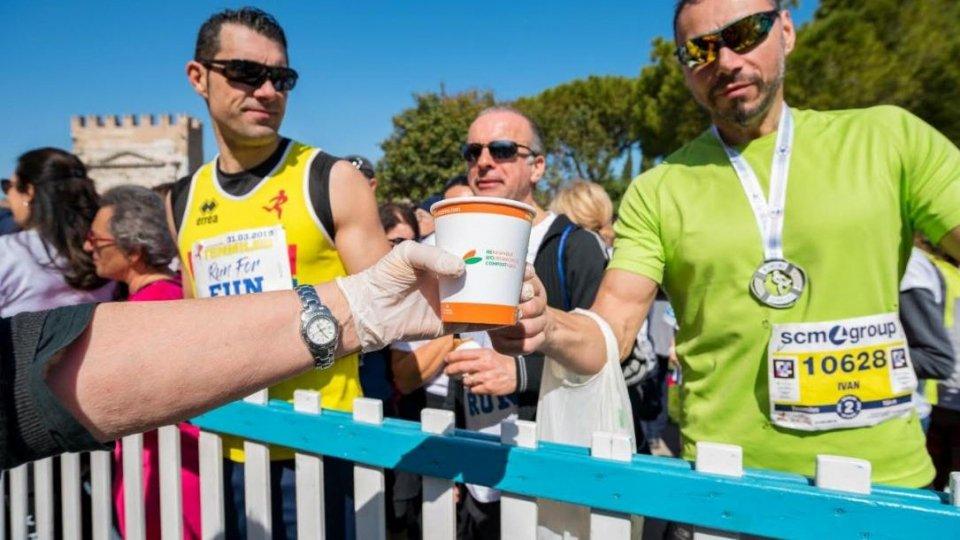 Una Rimini marathon ecosostenibile grazie a 90 mila tra posate, piatti, buste e bicchieri donati dagli sponsor