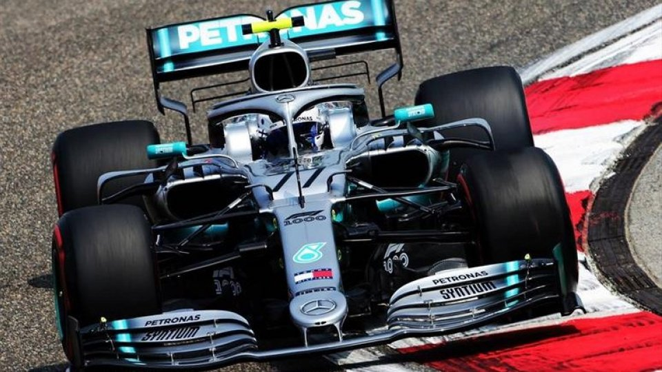 F1,GP Cina: pole per Bottas