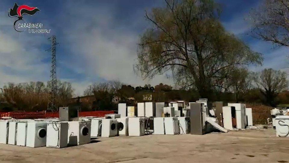 Discarica Raee[VIDEO] Discarica Raee, dda di Ancona indaga 20 persone tra Ancona e Rimini