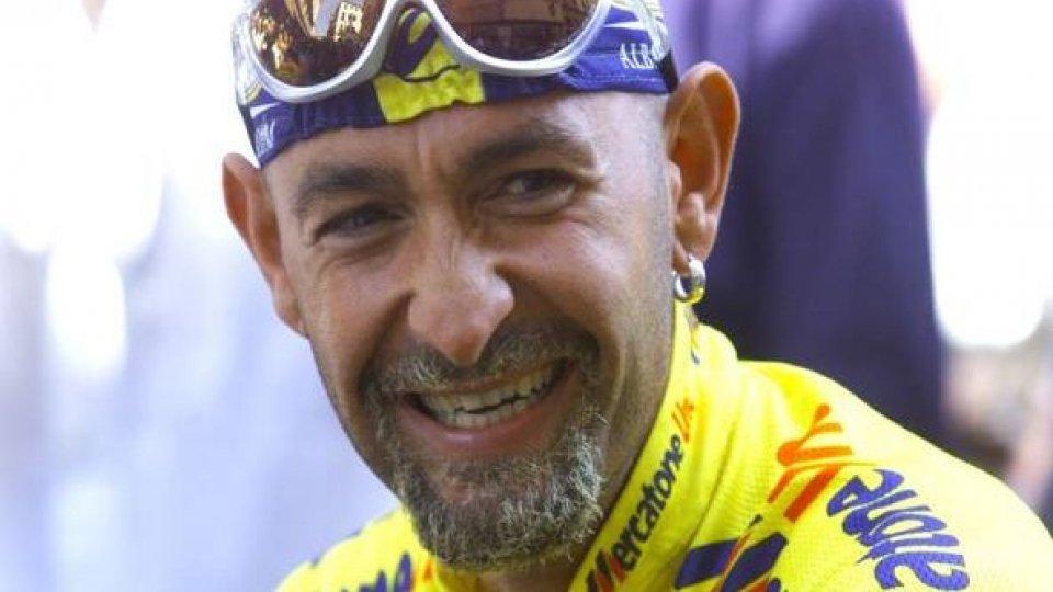 """Pantani, ex generale Rapetto: """"Qualcuno era con lui quando morì"""""""