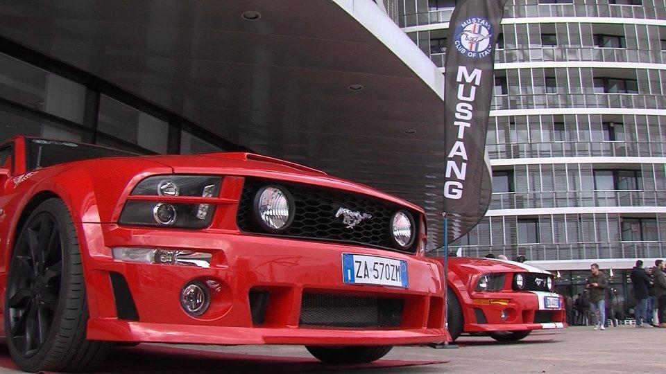 Automobile tra presente, passato e futuro: Mustang esposte a San Marino