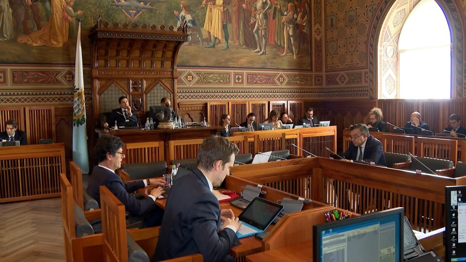 Consiglio: unanimità alle misure urgenti per il sistema finanziario