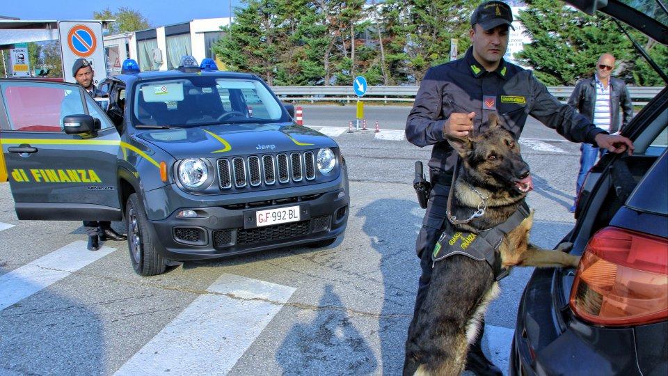 Rimini: la Guardia di Finanza intensifica le attività, controlli anche sul prezzo del carburante