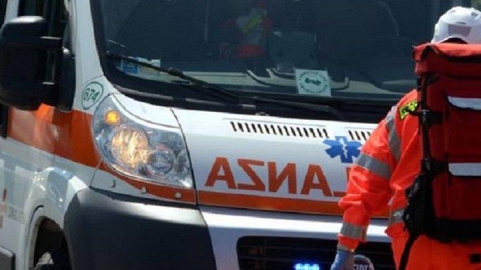 Auto contro ostacolo a Riccione: grave 43enne