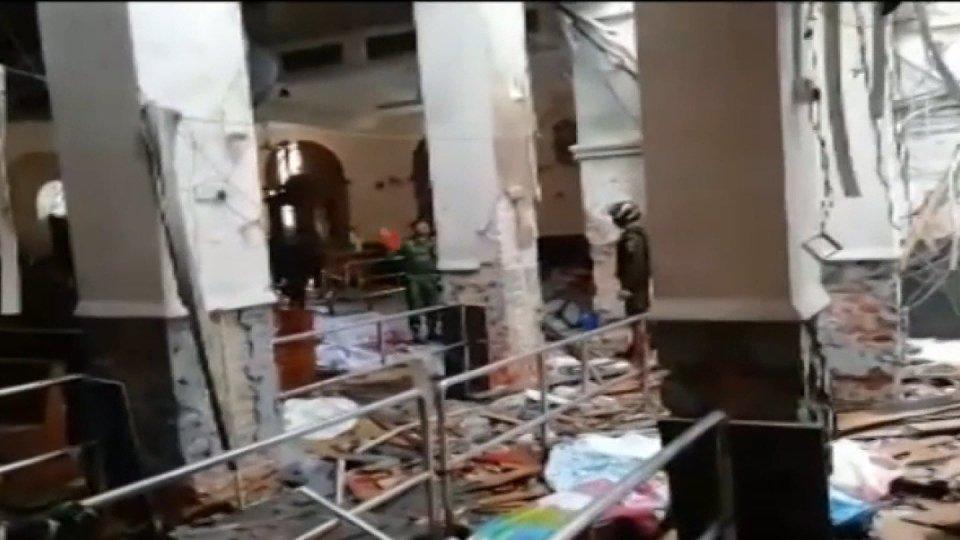 Sri Lanka: bombe contro chiese e hotel, cresce il numero delle vittime