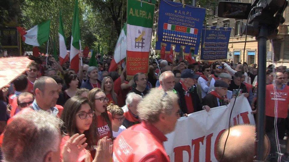 25 aprile: oltre 70mila a Milano al corteo dell'Anpi