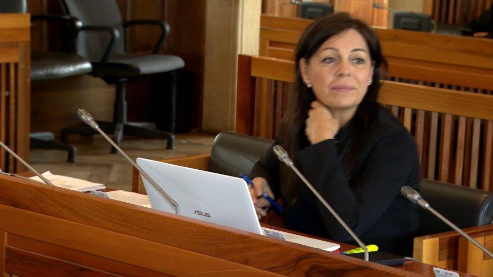 Eva GuidiIn Aula la variazione di bilancio: disavanzo da 10 milioni a 9 e 5 milioni in più per accensione mutui e prestiti