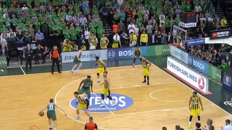 Eurolega, Fenerbahce alla Final Four: 3-1 allo Zalgiris