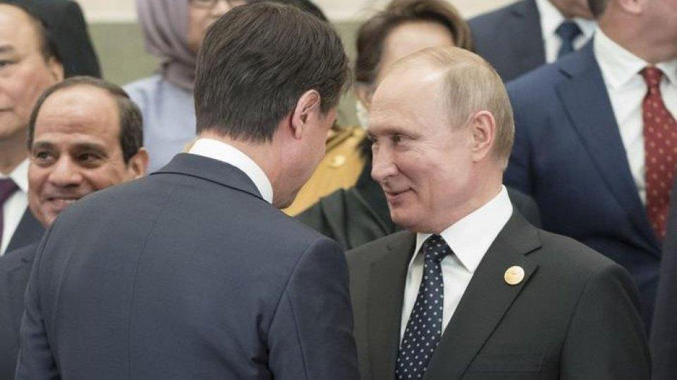 Libia: Conte chiede a Putin di lavorare per una soluzione condivisa