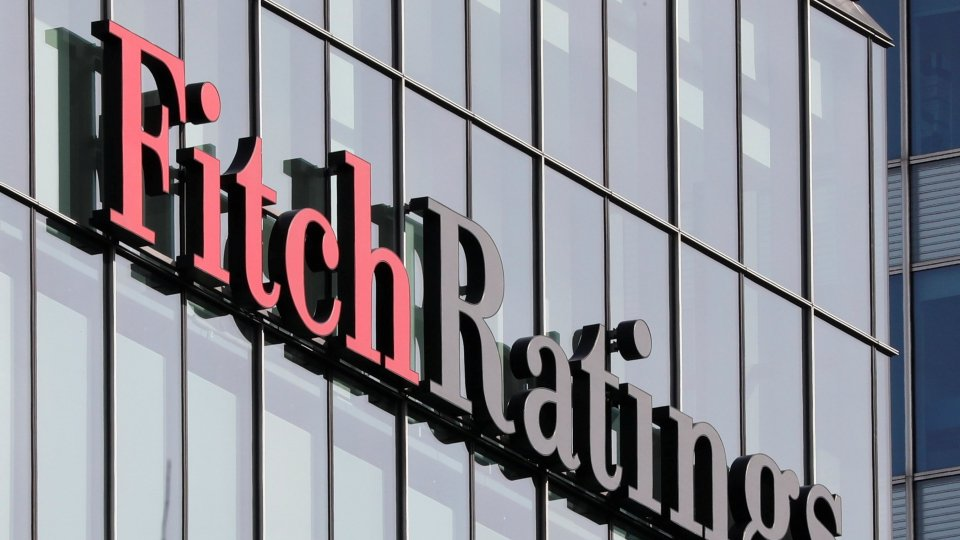 @wsjFitch conferma rating