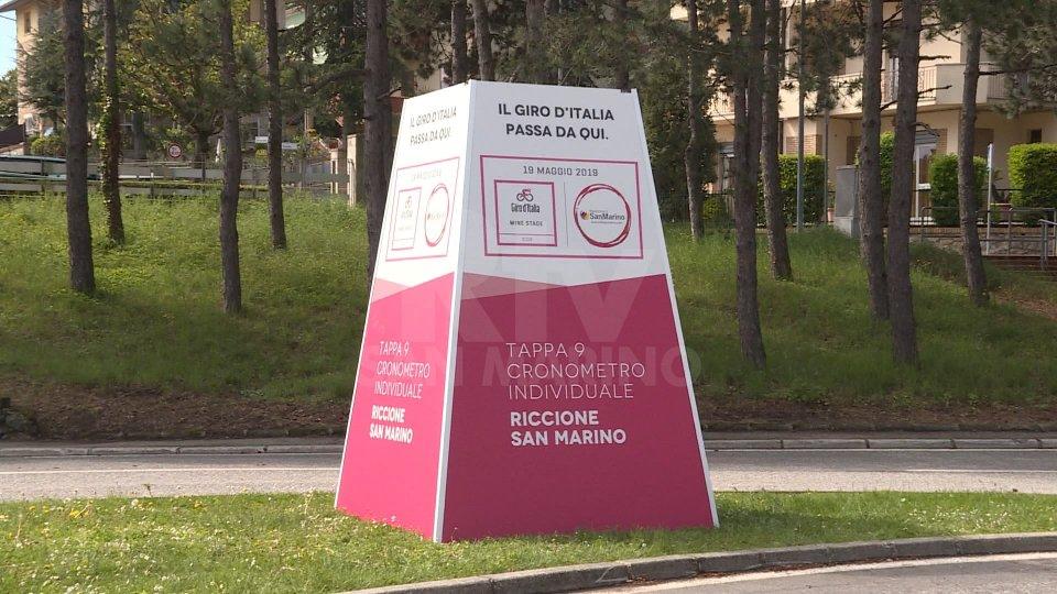 Giro d'Italia, un totem a Murata