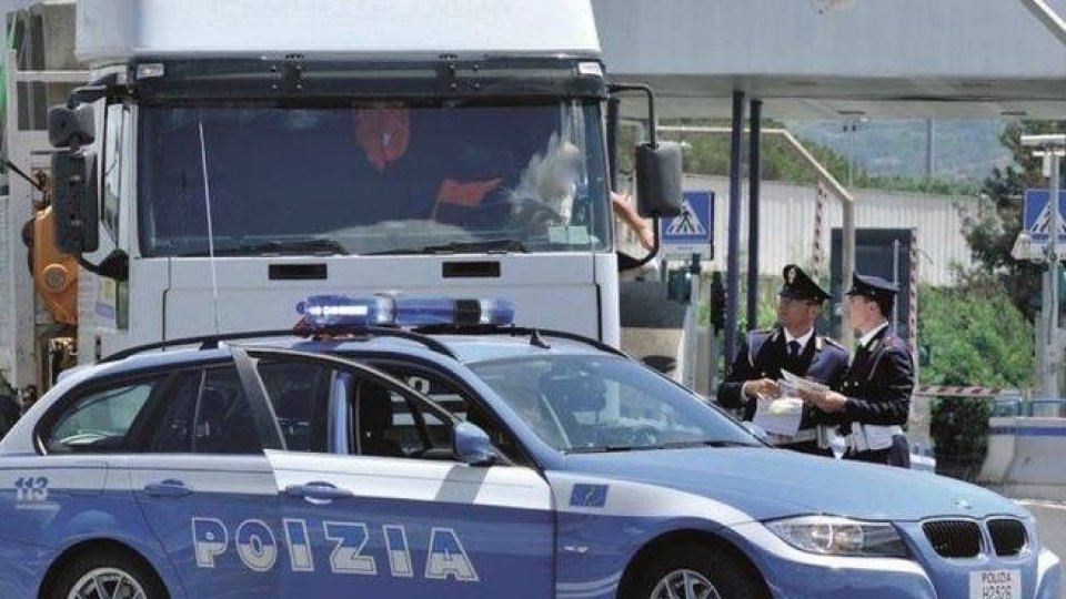 """Dispositivi di controllo della Polizia Stradale campagna TISPOL """"TRUCK &BUS"""""""