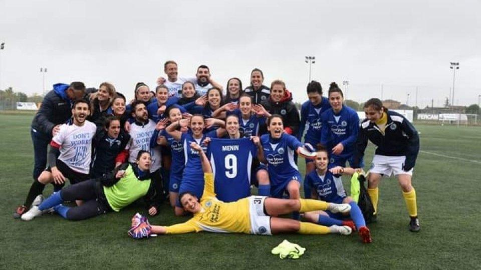 La festa della San Marino Academy per la promozione in serie B (Foto: FSGC)Femminile: San Marino Academy in serie B!