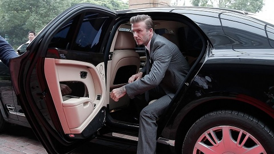 David Beckham senza patente, era al telefono