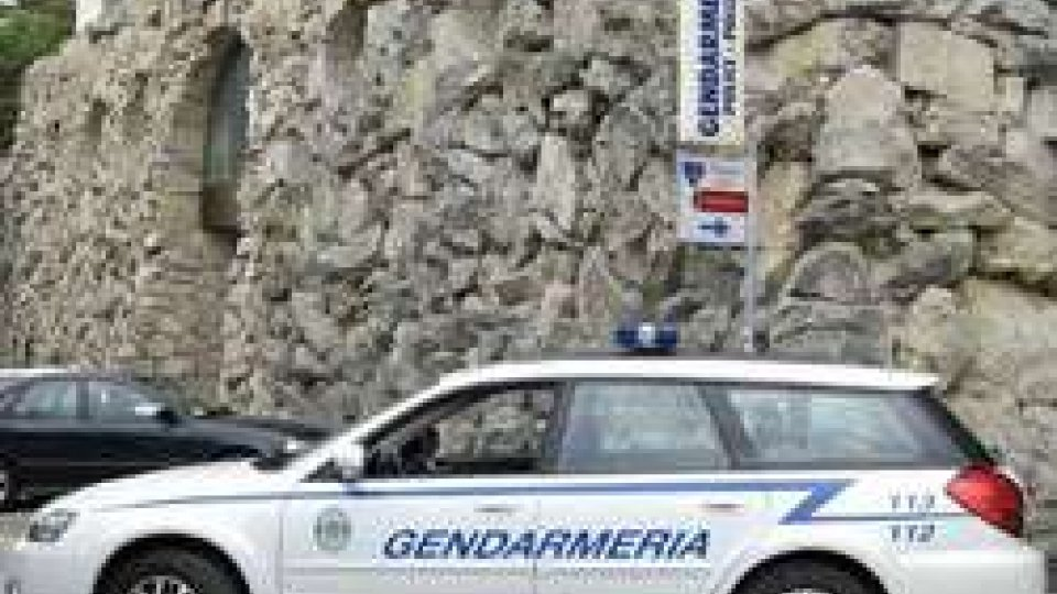 Land Rover con targa sammarinese ricercata, intercettata dalla Gendarmeria