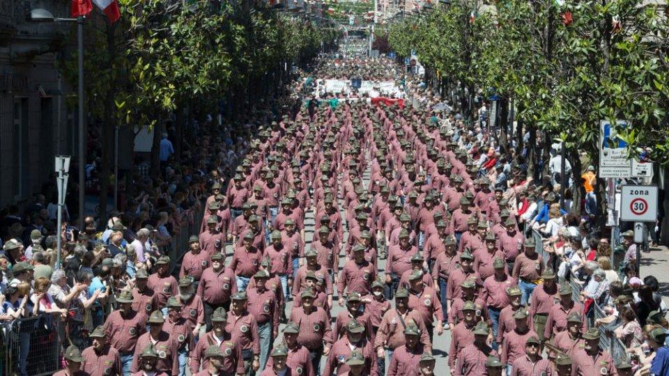 Più di 90mila gli alpini per 92^ adunata: Milano passa il testimone a Rimini e San Marino