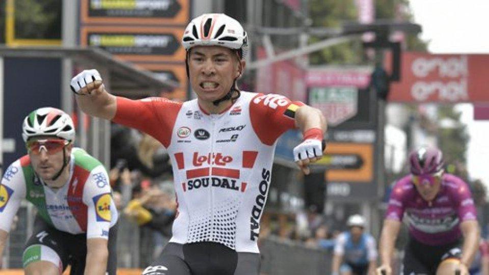 Giro d'Italia: a Pesaro vince Caleb Ewan, Valerio Conti ancora in rosa
