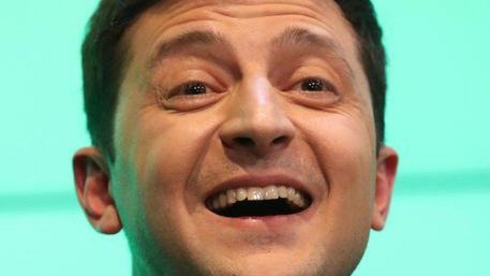 Zelensky ha giurato, è il nuovo presidente ucraino