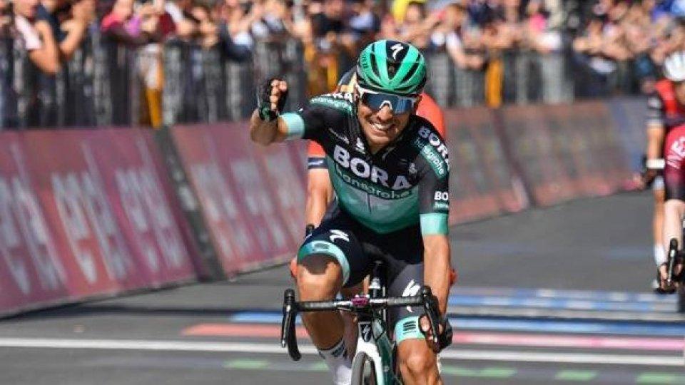 La montagna stravolge il Giro: tappa a Benedetti, maglia a Polanc