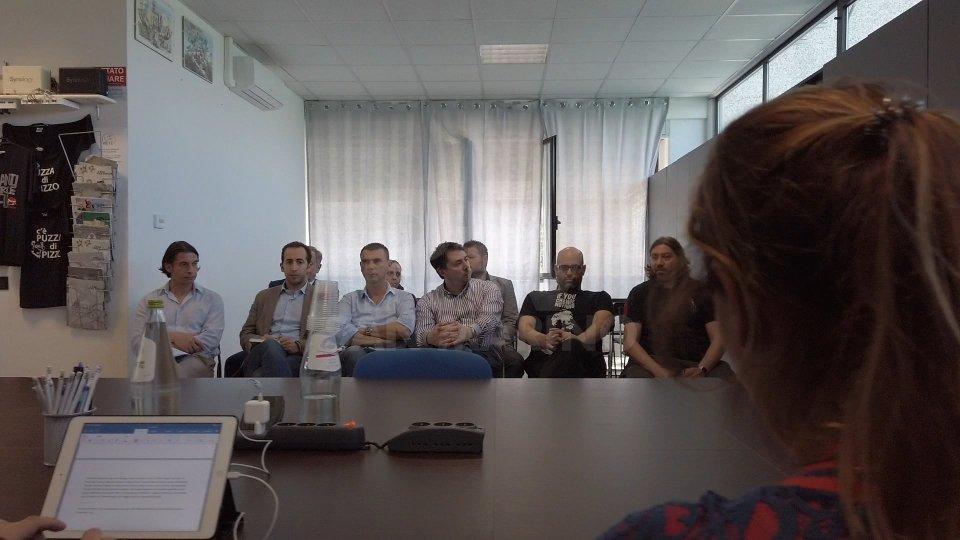 la conferenza stampaLe voci dell'opposizione