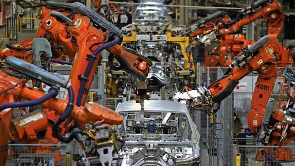 """Fca propone a Renault """"matrimonio"""" alla pari: volano i titoli"""