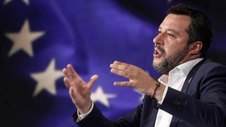 """Salvini: """"priorità a sicurezza e tasse"""". Di Maio chiede un vertice di governo"""