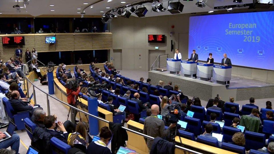 """Commissione UE: """"giustificata"""" la procedura di infrazione contro l'Italia"""