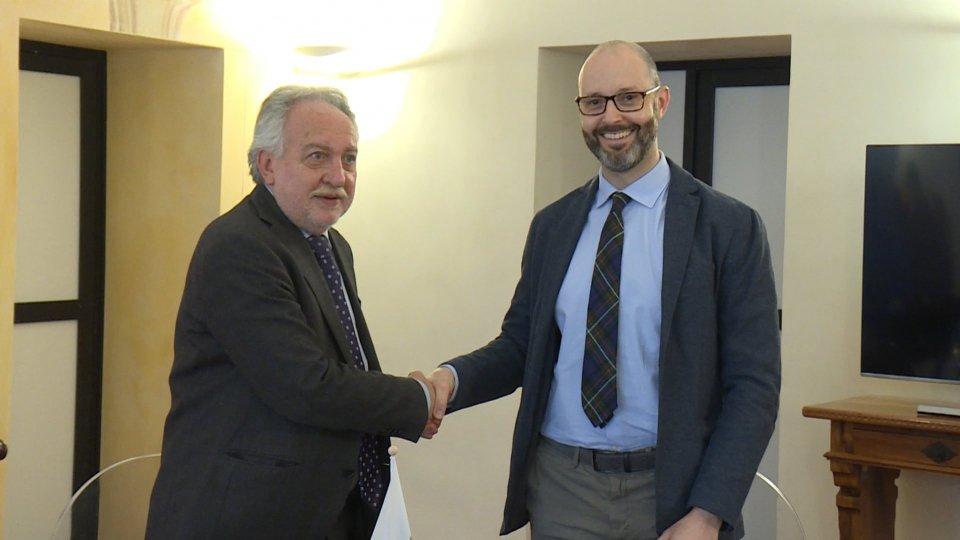 Corrado Petrocelli e Vito Testajla firma dell'accordo alla Cultura