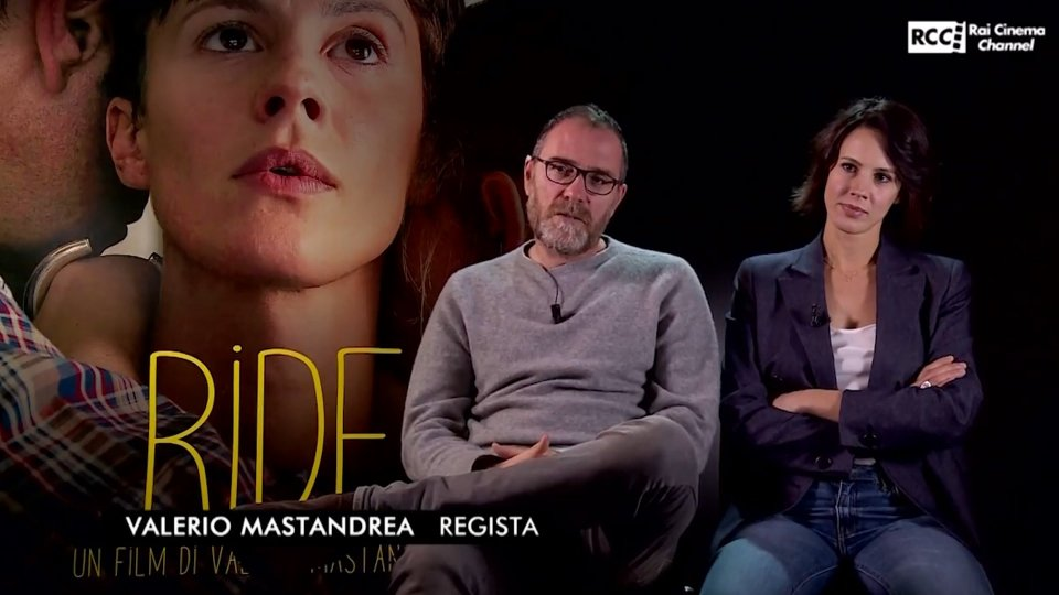 Valerio Mastandrea e Chiara MartegianiIl film