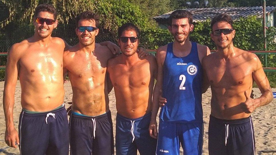 I due team di San Marino con al centro coach Galli