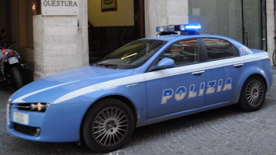 Rimini: perseguita la madre in cerca di denaro, arrestato 39enne per stalking