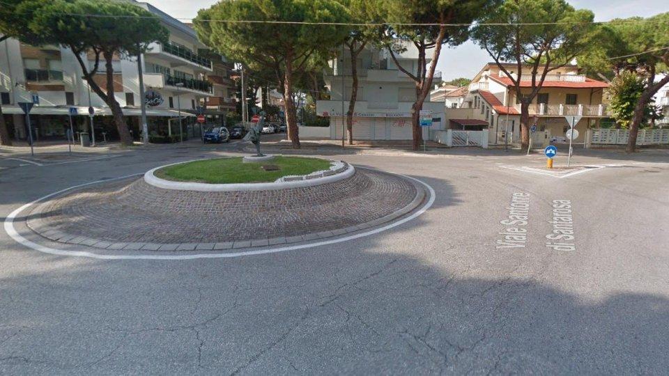 La rotatoria di via Santorre di Santarosa (Foto Google Maps)