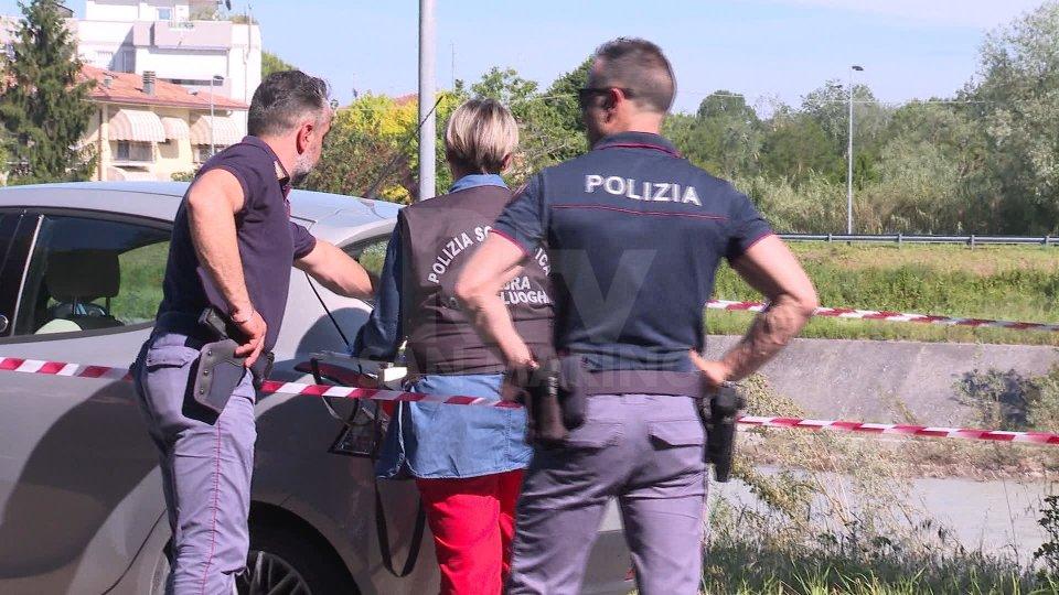Poliziotto indagato per aver sparato ad auto che non si era fermata all'alt